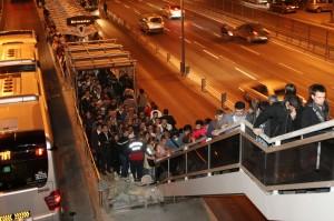 metrobüs duraklarý & izdiham